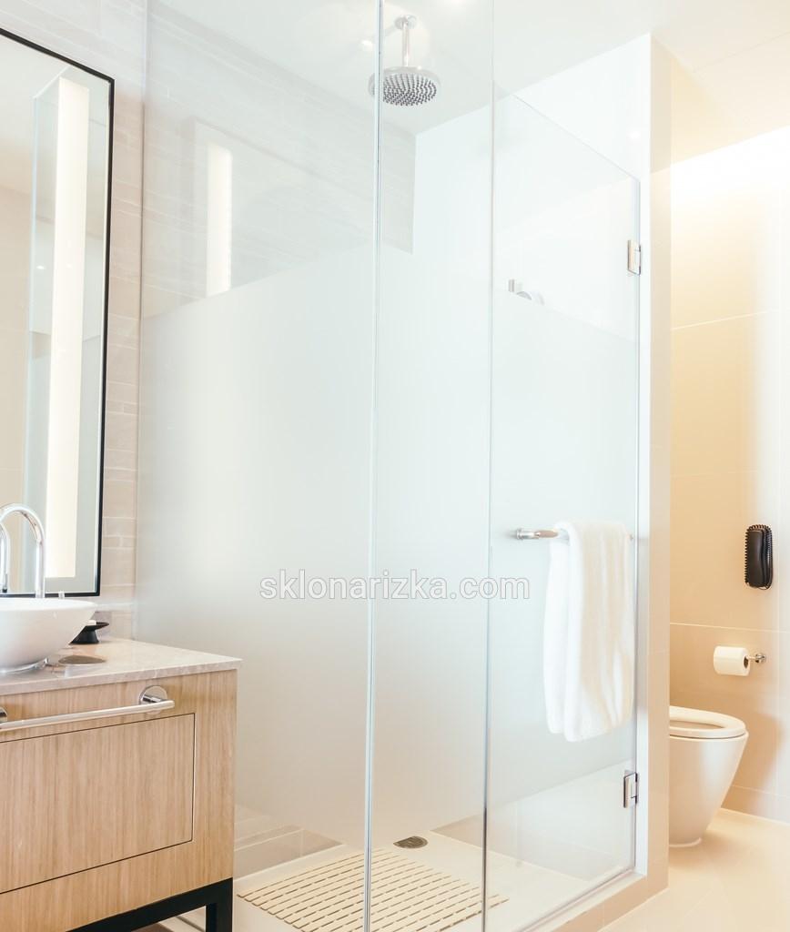 Безпечне скло для душових кабін у Львові на Першій універсальній склонарізці_