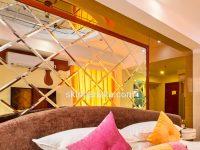 Дзеркальна плитка у розкішному готелі