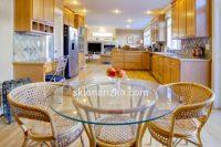 Кругля столешня на стіл в кухню