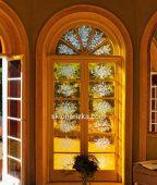 Орнамент у дверному склі технікою піскоматування