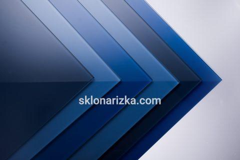 Різні відтінки синього кольору фарбованого скла Лакобель_