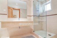 Скляна перегородка у ванні з гартованого скла_