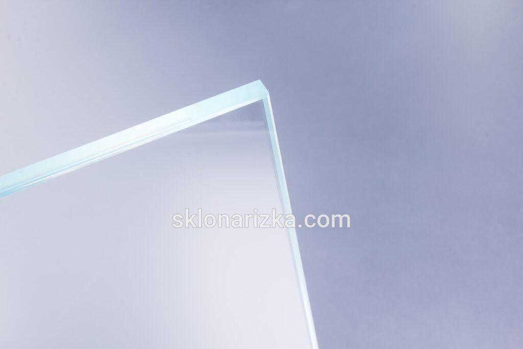 Ультрапрозоре скло