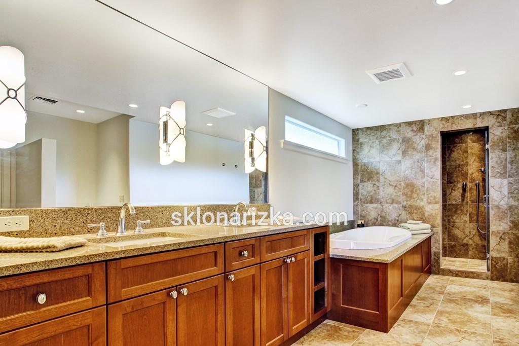 Вологостійке дзеркало у ванній