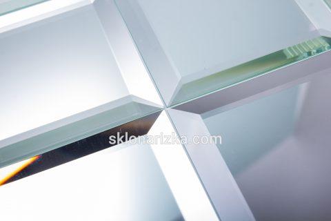 Фацет на срібному дзеркалі_