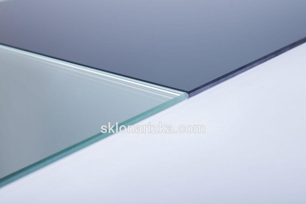 Шліфування скла сатин білий 4 мм та тоноване графіт 4 мм_