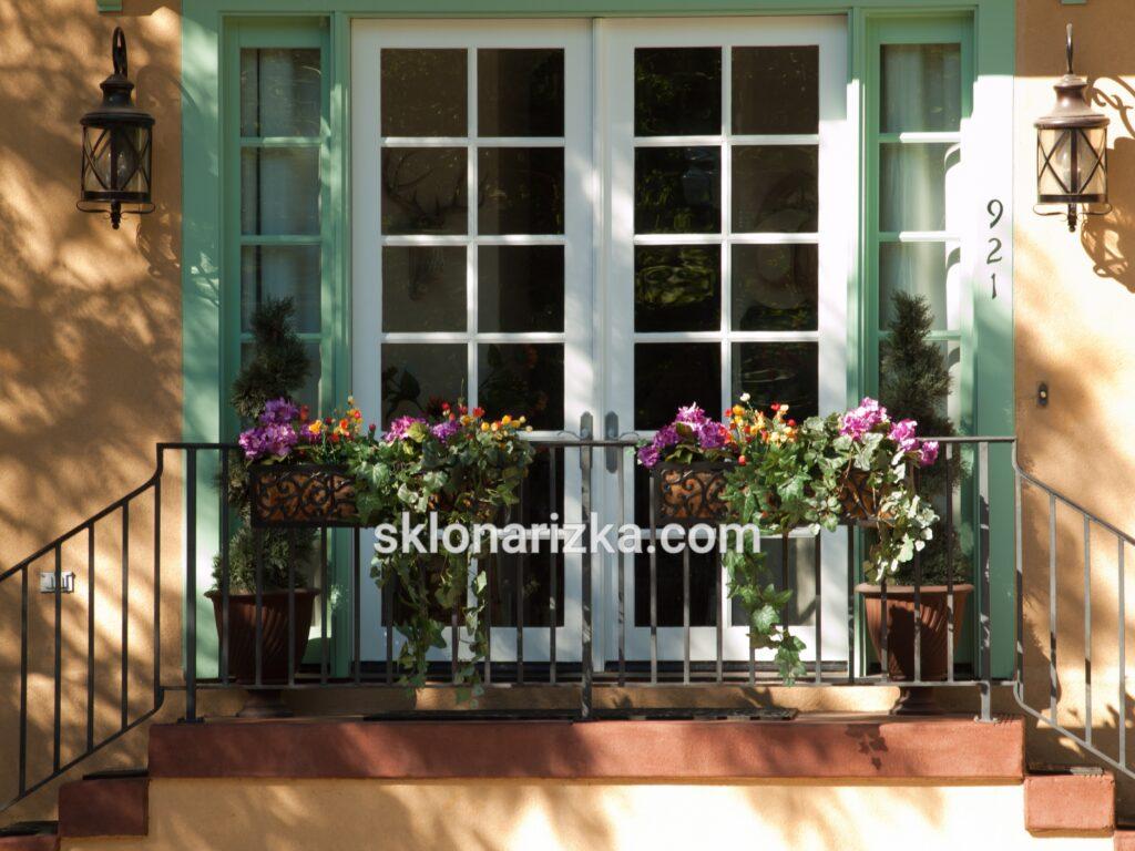 Віконне скло у балконних дверях