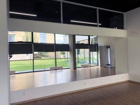 Монтаж дзеркал в танцювальному залі